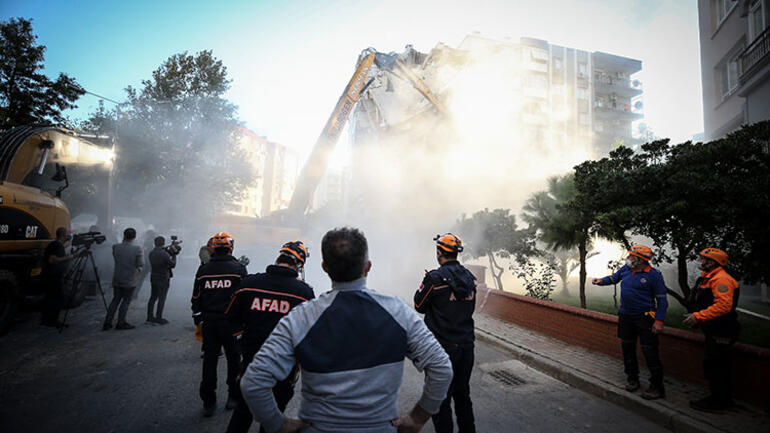 Depremde hasar almıştı, ekipler harekete geçti... Hüznün görüntüsü