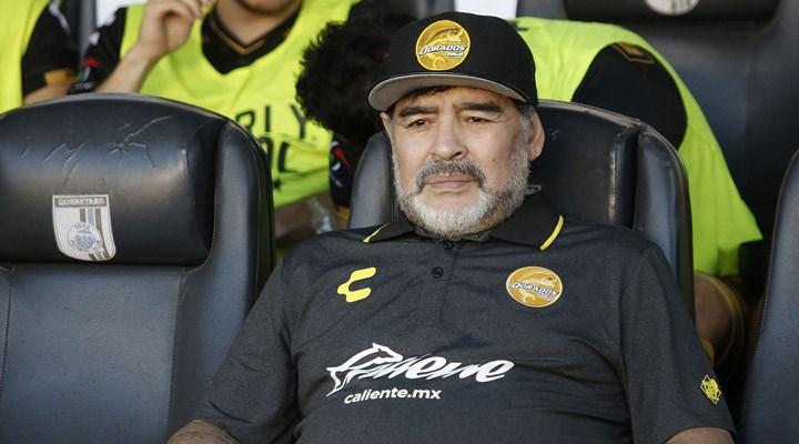 Efsane futbolcu Maradona hastaneye kaldırıldı