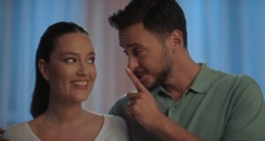 Pelin Akil-Anıl Altan çifti ikiz bebekleriyle yeni reklam filminde