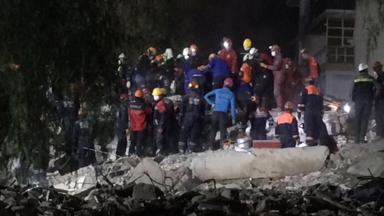 Son dakika... İzmir depreminden 52 saat sonra enkazdan çıkarılmışlardı... Umutlar acıya döndü