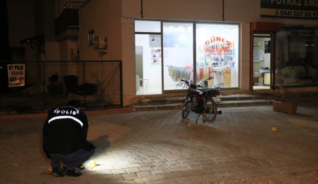 Berber dükkanında silahlı kavga: 1 yaralı
