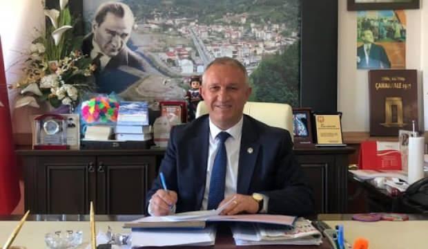 Kemalpaşa Belediye Başkanı Akçiçek ve ailesi, koronavirüse yakalandı