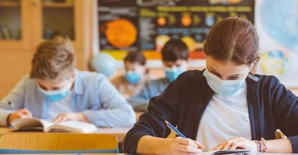 1 Mart ta okullar açılıyor mu? Hangi sınıflar, kaç gün okula gidecek? MEB yüz yüze eğitim açıklaması.. #1