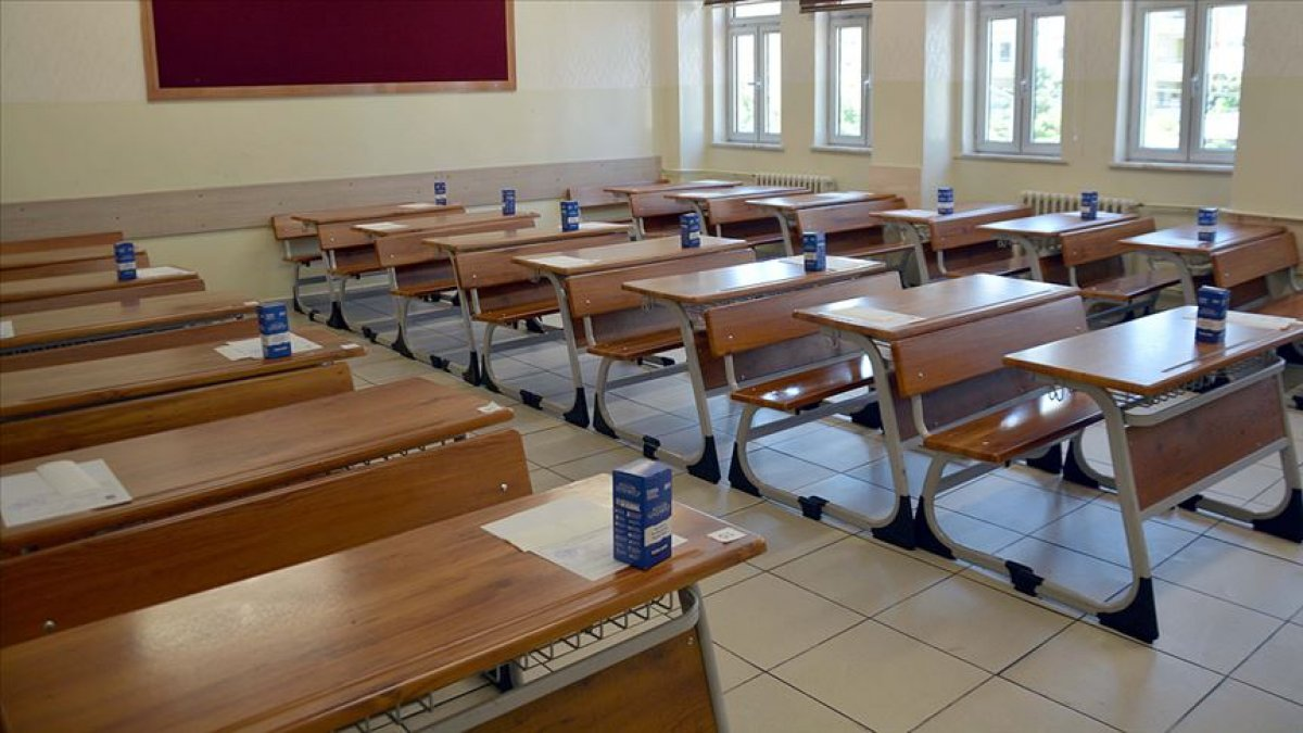 1 Mart ta okullar açılıyor mu? Hangi sınıflar, kaç gün okula gidecek? MEB yüz yüze eğitim açıklaması.. #2