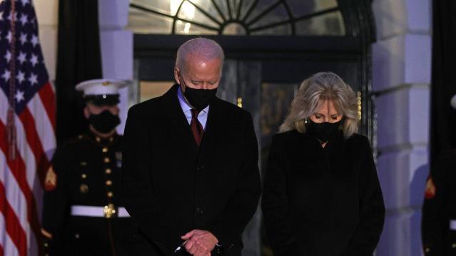 ABD'de koronavirüs ölümleri 500 bini aştı, Joe Biden 'Acılar karşısında hissizleşmeye direnmeliyiz' dedi