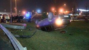 Beşiktaş'ta denetimden kaçan otomobil takla attı