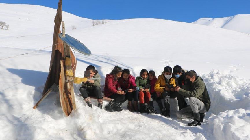 EBA'ya giremeyen öğrencilere Antalya'dan yardım eli