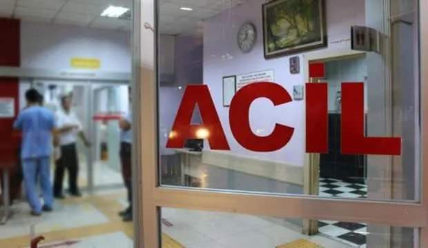 Aydın'da işçi servisi ile kamyonet çarpıştı: 3 yaralı