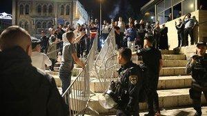 İsrail polisi geri adım attı, Şam Kapısı'ndaki barikatlar kaldırıldı