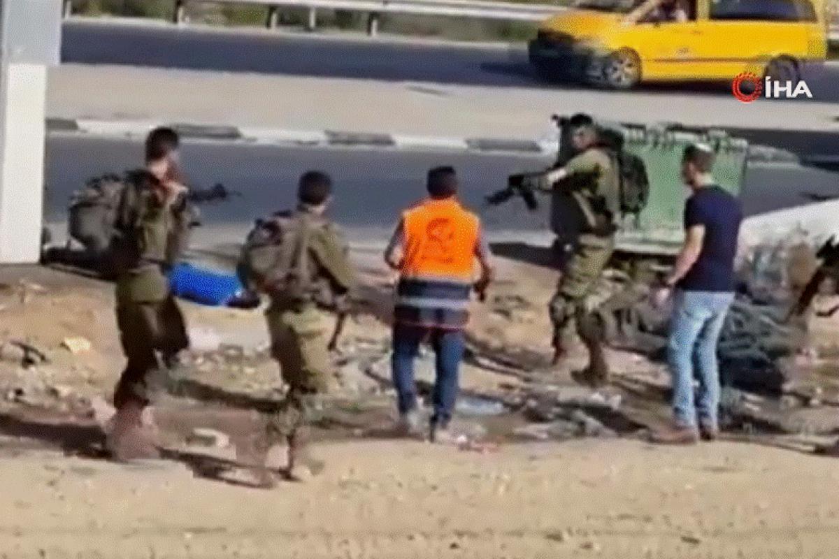 İsrail askerleri yaraladıkları Filistinliye sağlık personelinin müdahalesini engelledi