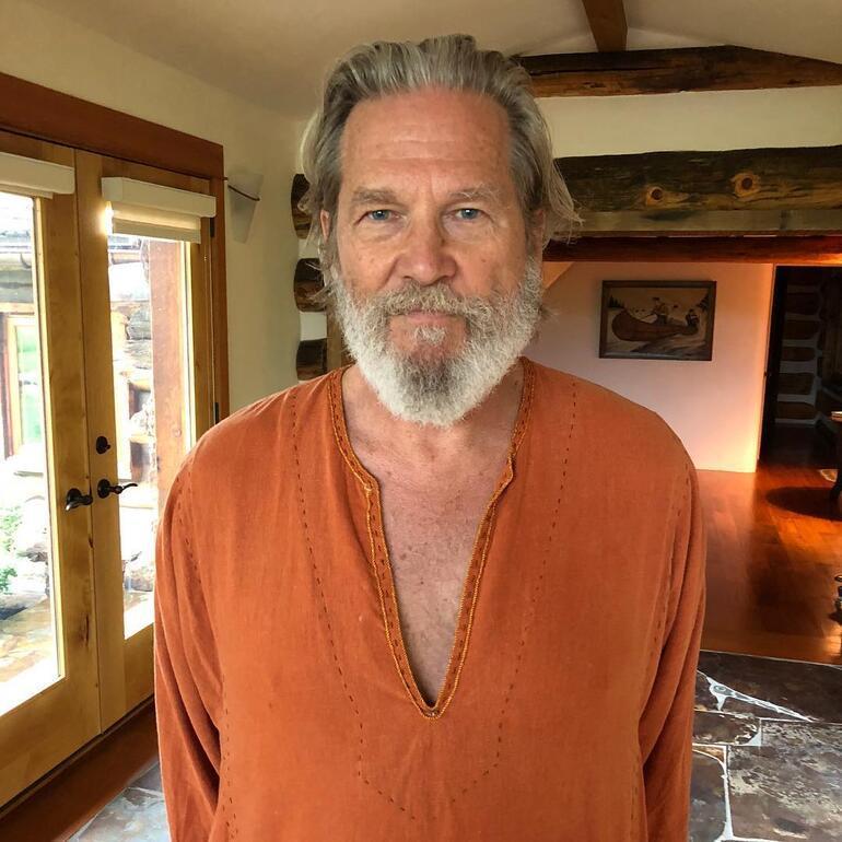 Oscar ödüllü oyuncu Jeff Bridges kanseri yendiğini duyurdu